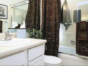 Sharon Grove Apartments - Bathroom