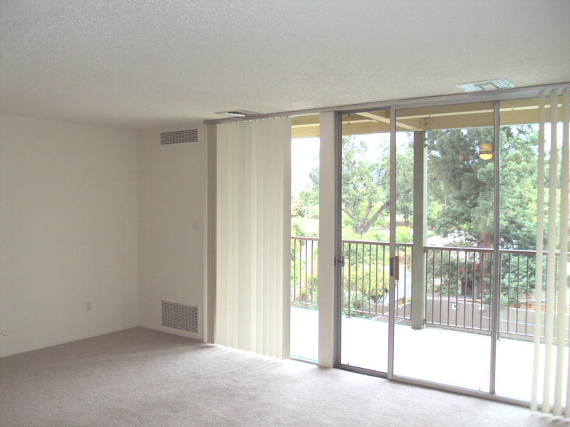Arastradero West Apartments - Living Room