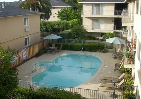 Mirrilee Terrace Pool