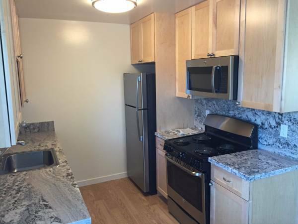 Midfield Apartments - Kitchen
