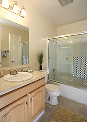 Laurel Grove Apartments - Bathroom