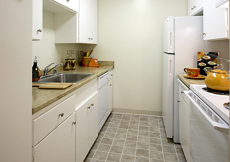 Boardwalk & Park Place Apartments - Kitchen