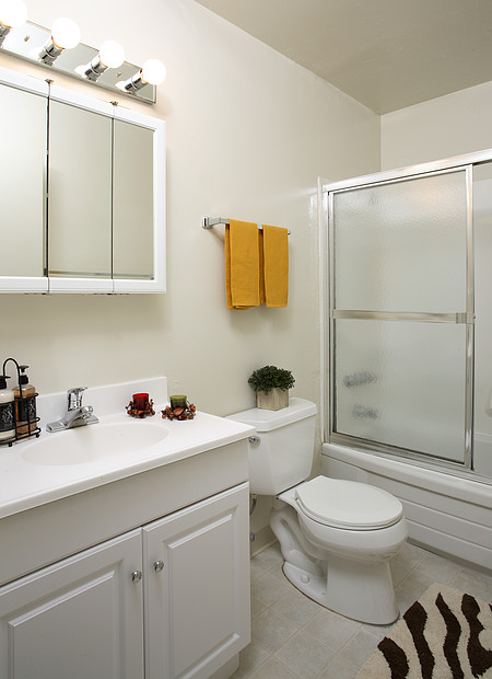 Boardwalk & Park Place Apartments - Bathroom
