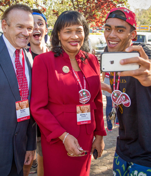 R&DE Leadership welcomes students to Stanford