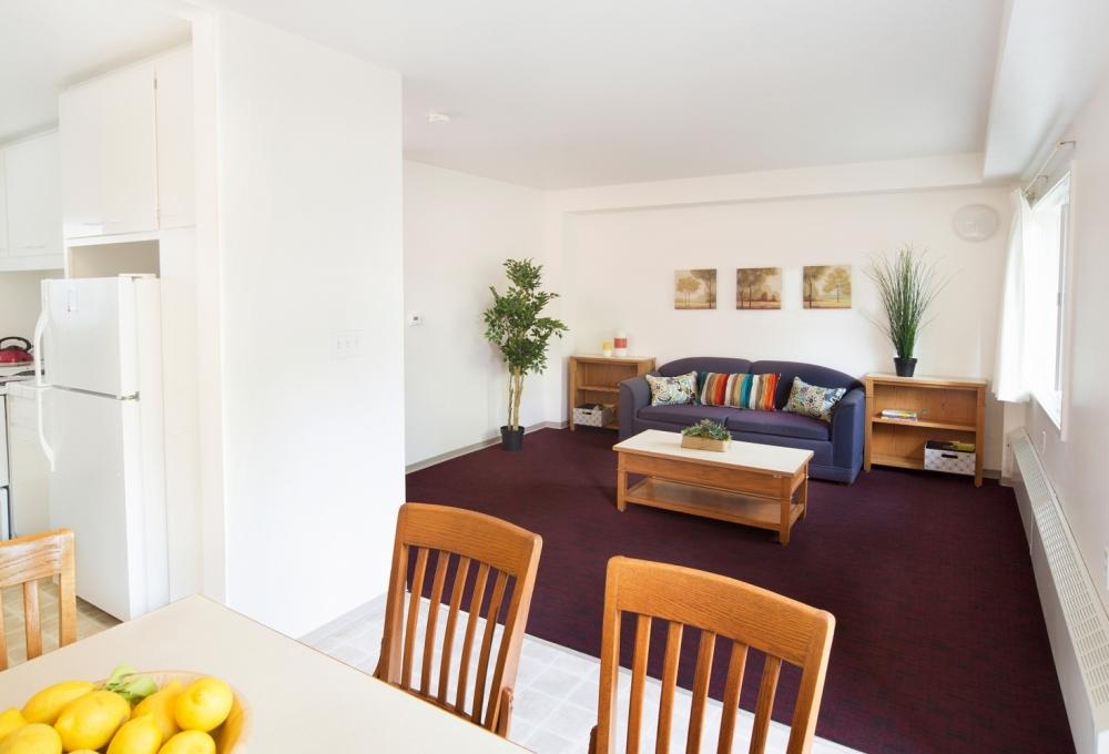 Escondido South Living/Dining Room