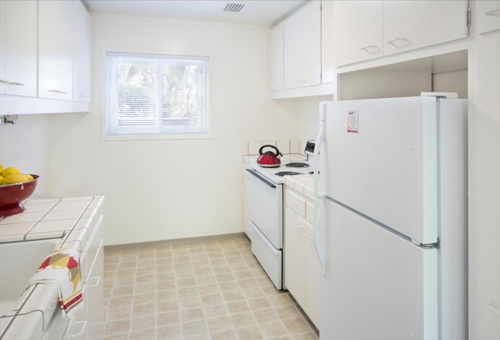 Escondido Low-Rises, 3-Bedroom, Kitchen