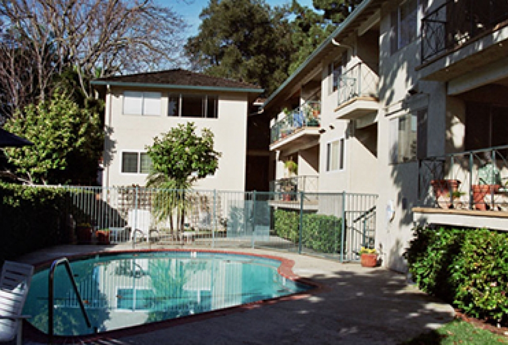 Noel Oaks Apartments