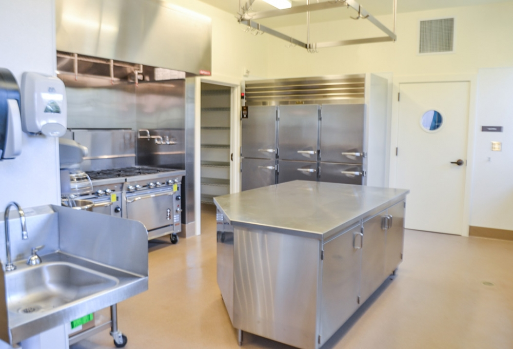 576 Alvarado - Kitchen